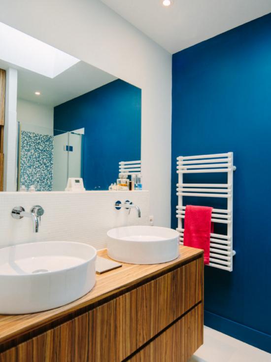 maisons-chantal-b-salle-de-bains-bleue